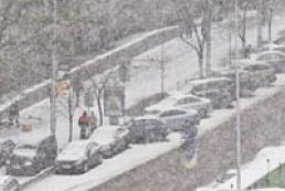 Вчені пояснили причини березневого снігопаду
