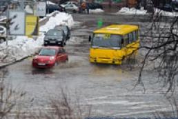 Новая неделя в Украине начнется с потепления и дождей