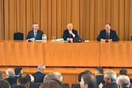 Більшість проголосувала за проведення засідань поза будівлею Ради