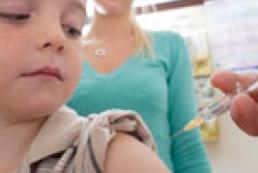 Календарь обязательных прививок: Нужна ли там еще одна?