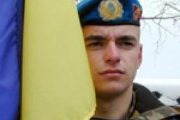 Аты-баты по контракту: реально ли отказаться от срочной службы в армии до 2014 года?