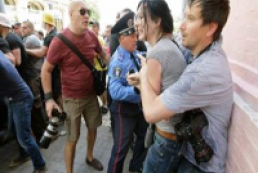 Милиция нашла четырех подозреваемых в избиении журналистов 18 мая