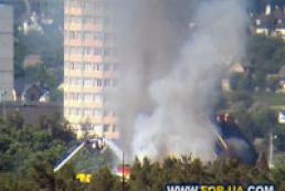 На Окружной дороге в Киеве горит гостиница