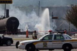 В результате пожара на месте крушения поезда в Квебеке погибли пять человек