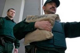 МВС звинувачує власників банків у неналежному підборі інкасаторів