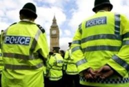 МЗС: Британія поки не підтвердила особи підозрюваних у терактах