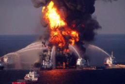В Мексиканском заливе сгорела буровая