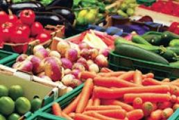 Азаров: Украинские продукты питания качественнее европейских