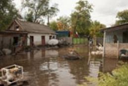Тропический потоп привел в негодность полтысячи домов