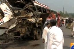 Geo News: В Пакистане взорвался автобус с госслужащими, 17 погибших