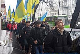 В Киев для участия в митингах приехали сотни людей