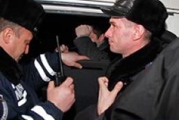 СБУ вимагає розслідувати напад на мікроавтобус з її співробітниками