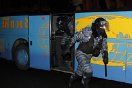 Глава Кабмина: Среди пострадавших во время разгона Евромайдана детей нет
