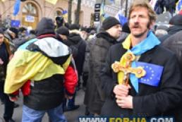 Медведєв: Іноземні держави не повинні втручатися в політику України