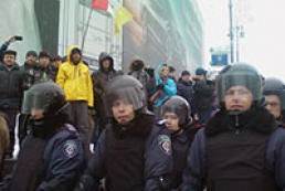 Милиция: Военные стягиваются в центр Киева для замены нарядов