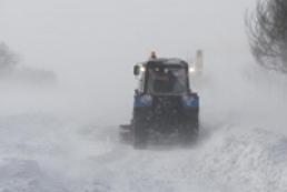 В четырех областях Украины из-за снегопадов ограничено движение