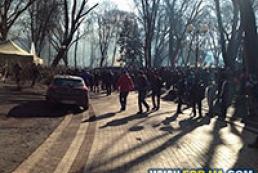 В Мариинском парке начались столкновения между сторонниками ПР и евромайдановцами