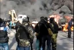 Міліція намагається відтіснити протестувальників з Інститутської