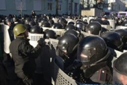 МВС: Екстремісти захопили 67 військовослужбовців  внутрішніх військ