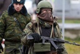 Аксьонов: Крим охороняють російські війська