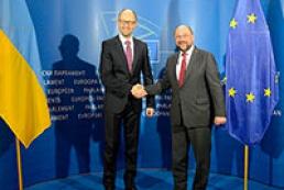 Яценюк: Украина выступает за политическое урегулирование ситуации в Крыму