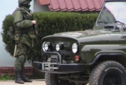 Російські військові захопили відділ прикордонної служби в Криму