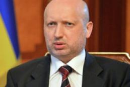 Турчинов взял под личный контроль ситуацию на Донбассе