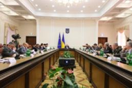 Колесніков: Кабмін закриває програми, не пропонуючи нічого натомість