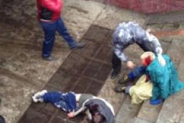 В Харькове неизвестные с битами напали на сторонников единой Украины