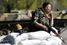 Внаслідок нападу на блокпост у Слов'янську загинув солдат