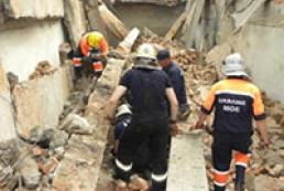 Под Черниговом в результате обвала конструкций завода погибли двое мужчин