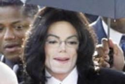 Майкла Джексона снова обвиняют в домогательствах