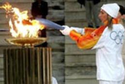 Антиглобалисты пытались украсть Олимпийский огонь